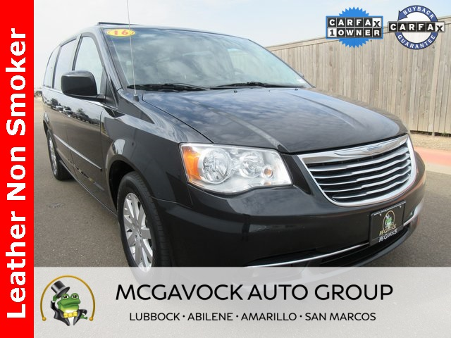Pre-Owned 2016 Chrysler Town & Country LX